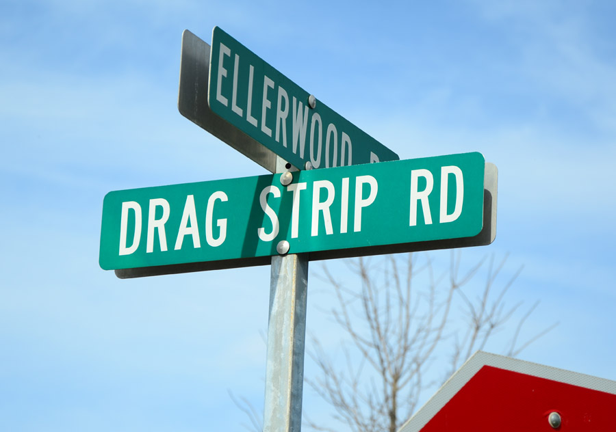 drag locator strip
