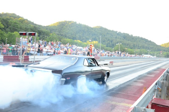 Knoxville, TN Heads Up Drag Racing